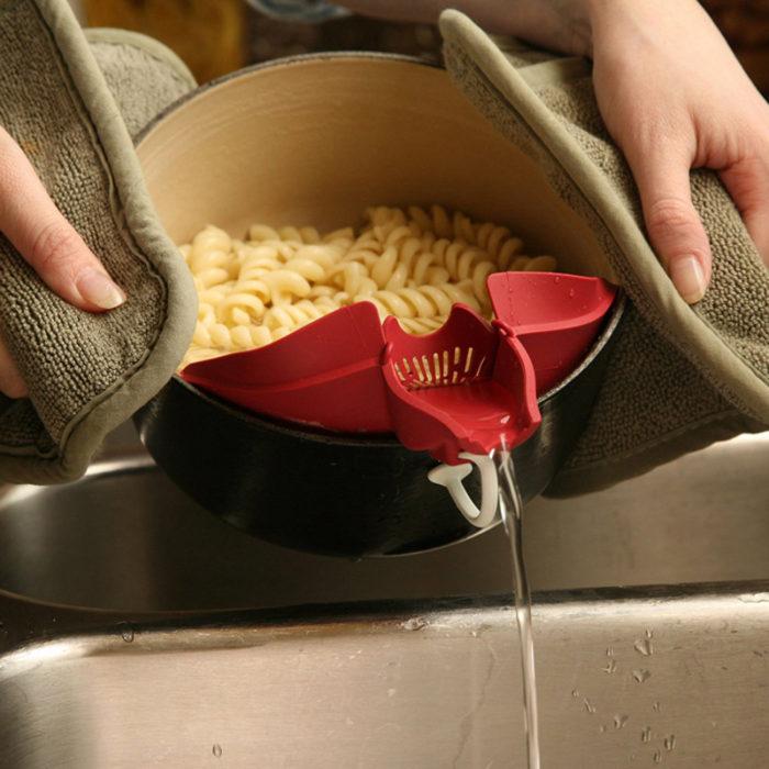 Clip On Pouring Spout