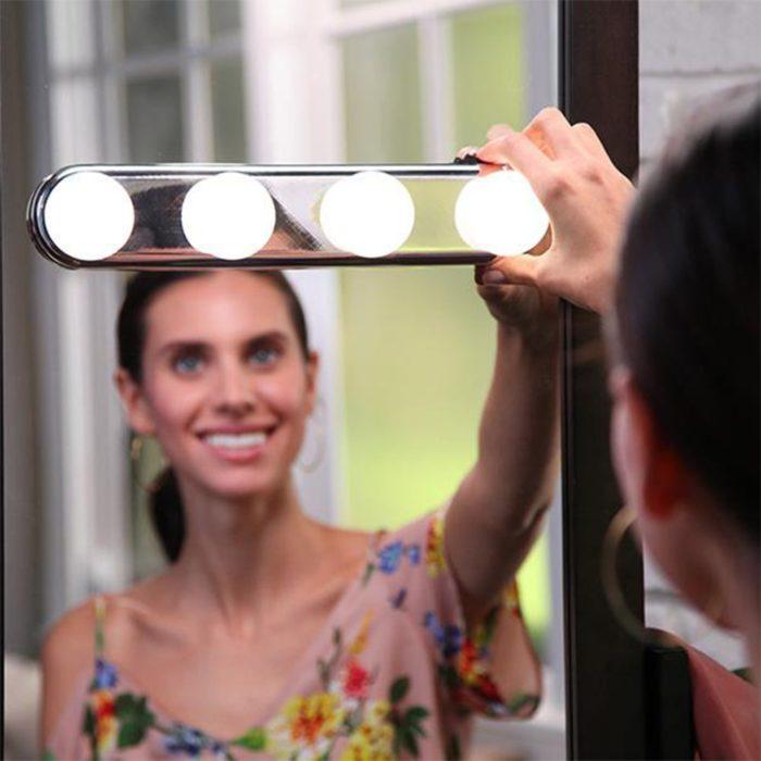 Vanity Lights Illumination LED Bulbs