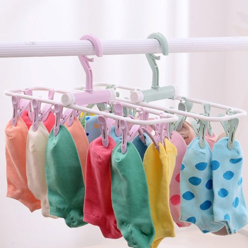 Plastic Hangers Twelve Clips