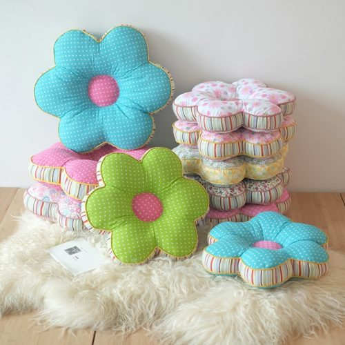 Decorative Pillow Flower Style