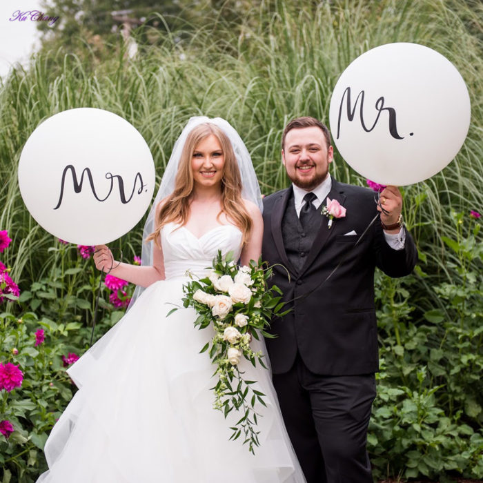 Mr and Mrs Balloons 2PC Set