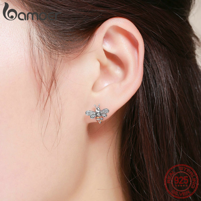 Bee Earrings Ladies Fashionable Stud Earrings