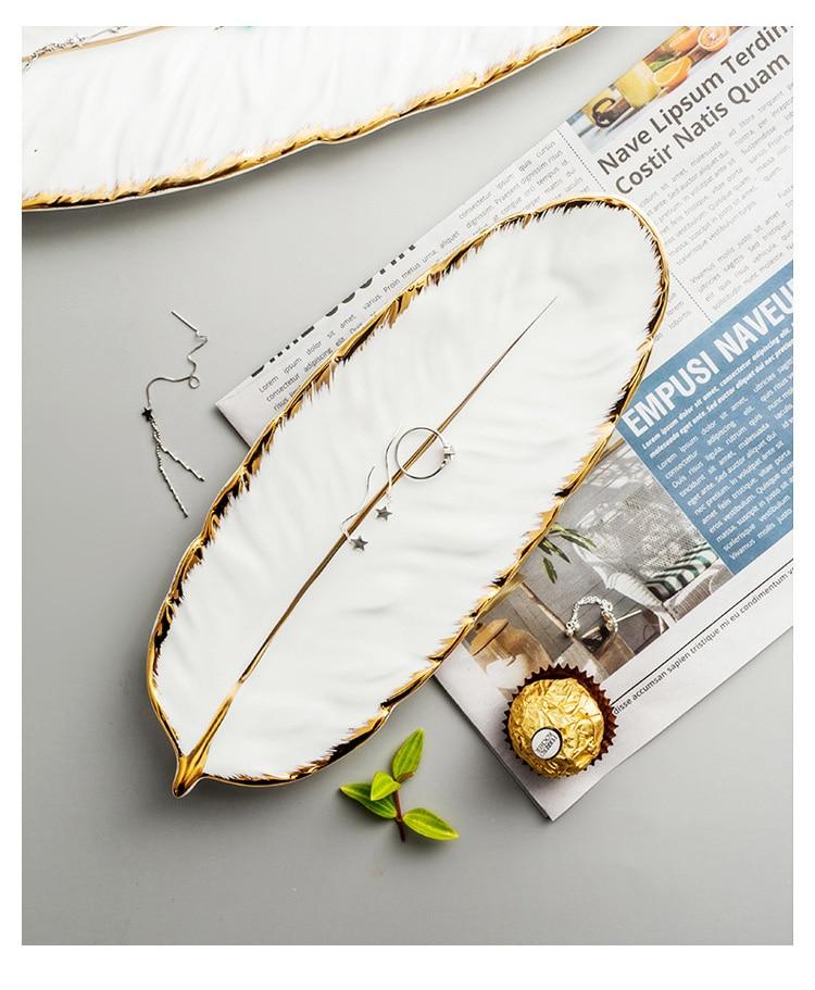 White Banana Leaf Shape Ceramic Plate Gold Porcelain Dessert Jewelry Plates Dish Dinnerware Sushi Tableware Feather Storage Tray