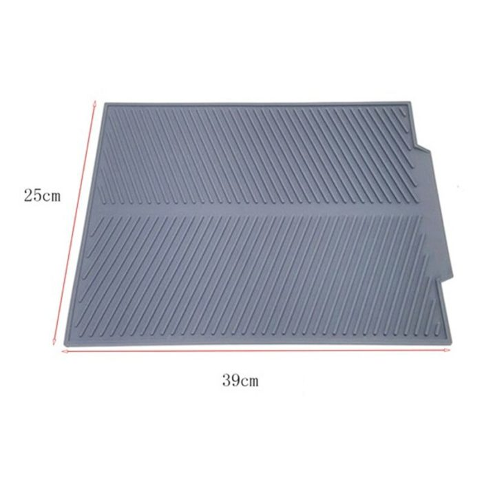 Dry your dishes properly after washing them on this dish draining mat. Consequently, this mat prevents the water from your dishes from spreading all over your counter