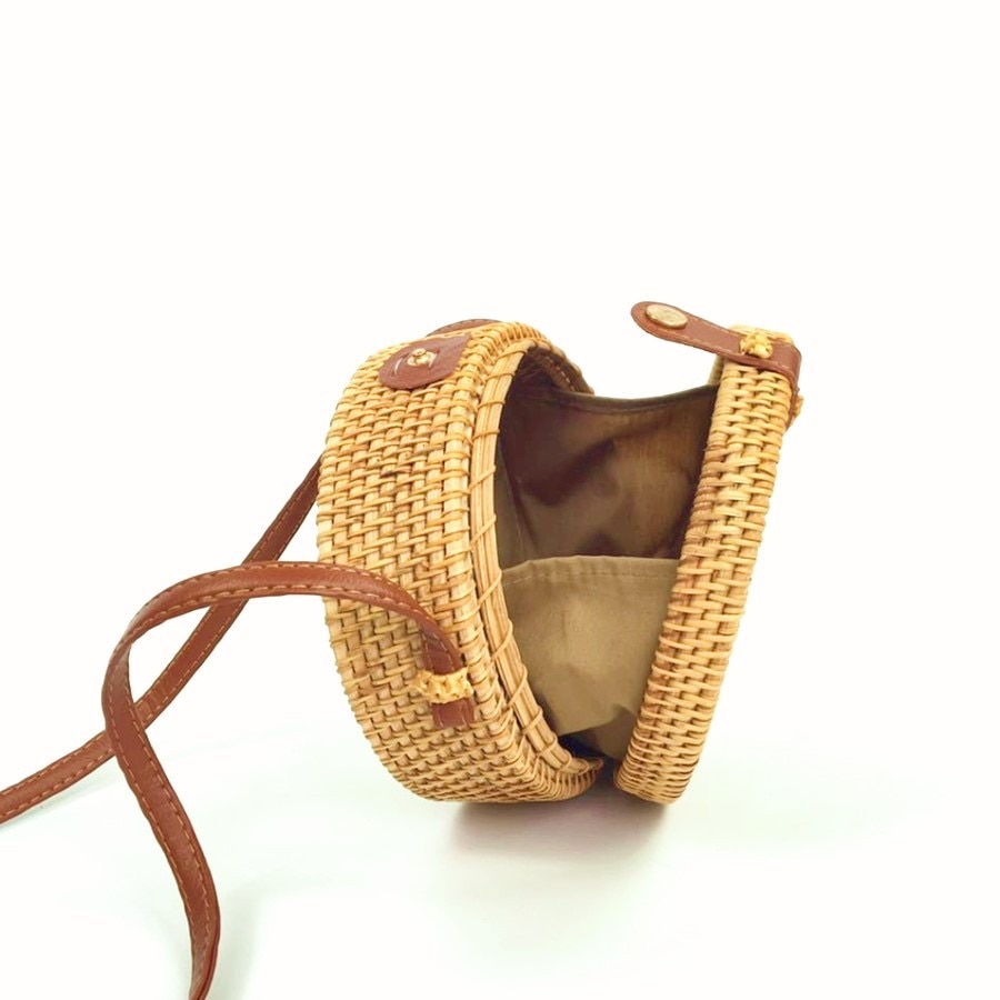 2020 New Bali Vintage Handmade Crossbody Leather Bag Round Beach Bag Girls Circle Rattan Bag Small Bohemian Shoulder Bag Women