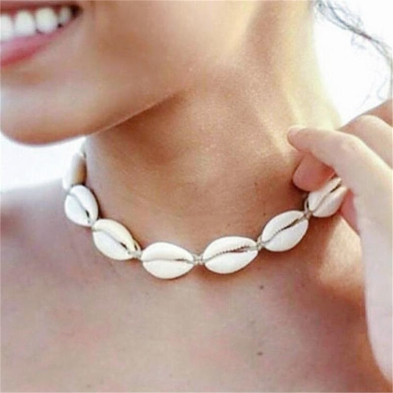New Fashion Rope Chain Natural Shell Choker Necklace Collar Necklace Seashell Choker Necklace for Women Summer Ocean Necklace
