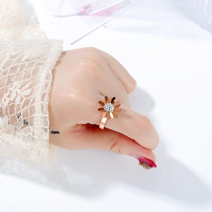 Daisy Flower Ring Ladies Jewelry Ring