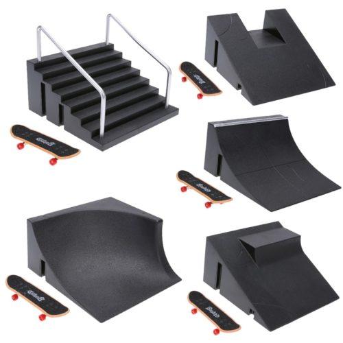 Finger Skateboard Ramp with Skateboard