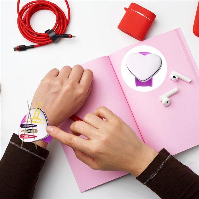 Slap-On Magnetic Wrist Pin Cushion