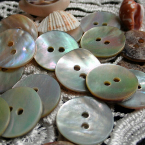 Round Natural Seashell Buttons (100pcs)