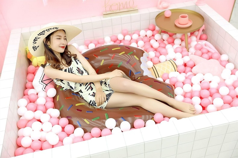 Rooxin Inflatable Swimming Ring Donut Pool Float for Adult Kids PVC Swimming Mattress Rubber Ring Swimming Pool Toys Water Seat