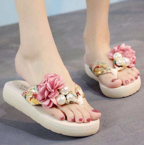 Fashionable Ladies Summer Flower Slippers