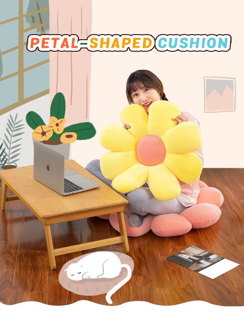 Daisy Flower Pillow Decorative Cushion