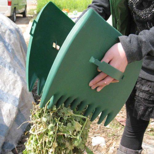 Debris, Trash, and Leaf Grabbers (2 pcs)